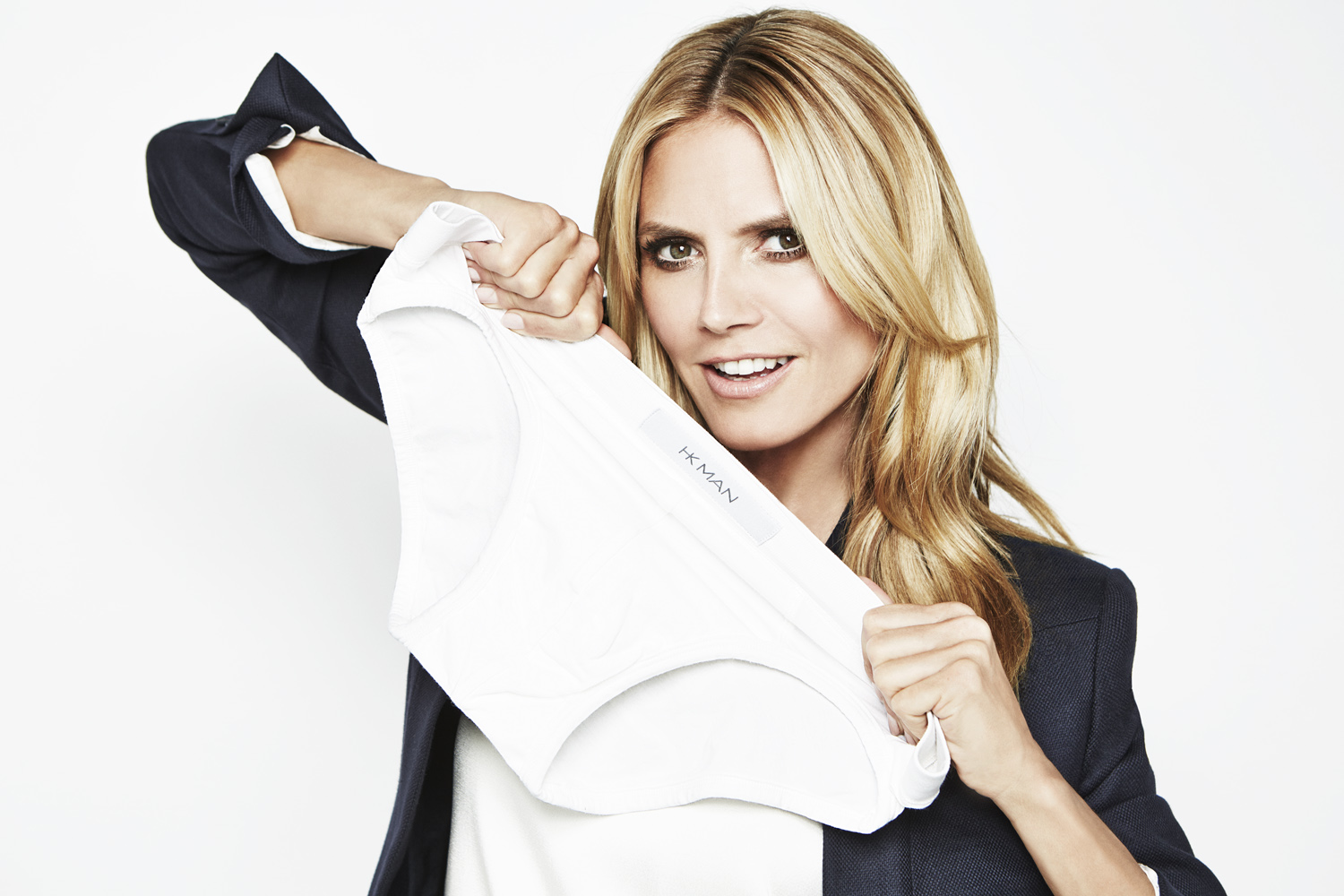 Heidi Klum Stars in Wix's #ItsThatEasy Campaign